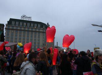 Кияни привітали Надію Савченко з Днем народження