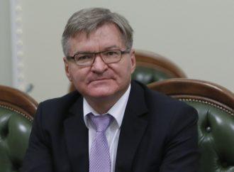 Мінські угоди недостатні для досягнення миру в Україні, – Григорій Немиря