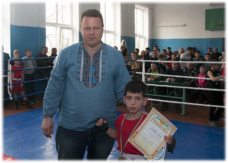 Бокс Требухов