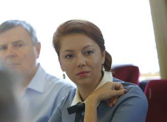Альона Шкрум: Розумні чи красиві: українська незалежна аналітика?