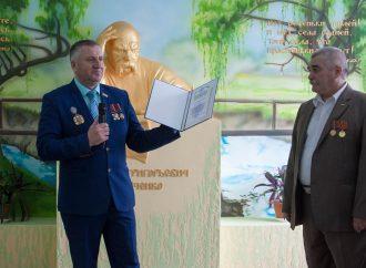 Депутати-«батьківщинівці» з Одещини встановили в Молдові пам'ятник Тарасові Шевченку