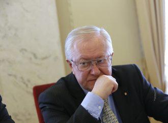 Борис Тарасюк: «Прихильники» дипломатичного фронту «допомагають» його бійцям