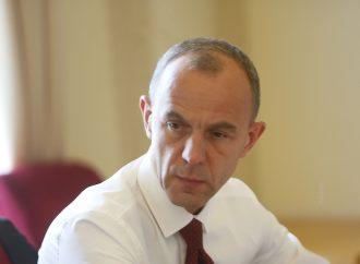 Порошенко зобов'язаний відзвітувати про перебіг і результати воєнного стану, – Андрій Кожем'якін