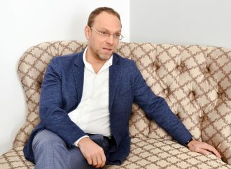 Сергій Власенко: Як повинен був діяти президент-державник під час ухвалення воєнного стану