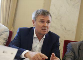 Юрій Одарченко застерігає медзаклади від реорганізації з комунальних у некомерційні установи