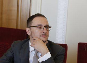 Олексій Рябчин: Про проблеми з соцвиплатами переселенцям із Криму та Донбасу