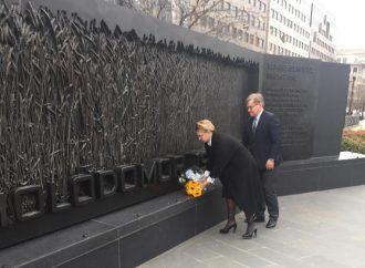 Юлія Тимошенко у Вашингтоні вшанувала пам'ять жертв Голодомору