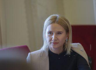 Олена Кондратюк: Вимагатимемо детальної звітності щодо розподілу фінансової допомоги для боротьби з коронавірусом