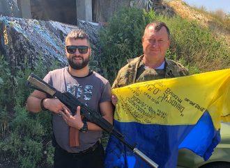 Миколаївський партієць відвідав бійців на передовій