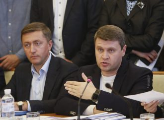 Вадим Івченко: Аграрії вимагають від влади запитативукраїнців дозволу продавати землю