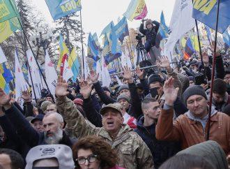 Українці вимагають земельний референдум – до президента направлено 300 звернень від місцевих рад