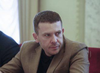 Іван Крулько: Нараховуючи мільйонні зарплати топчиновникам, влада чинить злочин проти українців