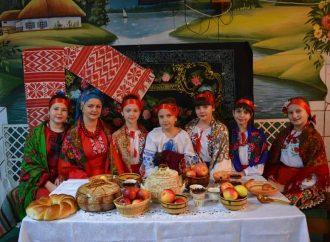 На Полтавщині відбувся флешмоб до Дня вишиванки