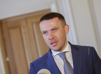ІванКрулько: Влада повинна змуситисхемниківта корупціонерів повернути в бюджет вкрадені кошти, а не перекладати борги на плечі людей