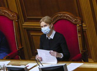 Олена Кондратюк: Уряд вдає, що тримає захворюваність на коронавірус під контролем