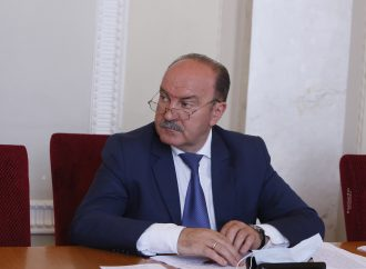 Михайло Цимбалюк: Монобільшість у парламенті визнала, що не довіряє тим, кого взяла на роботу