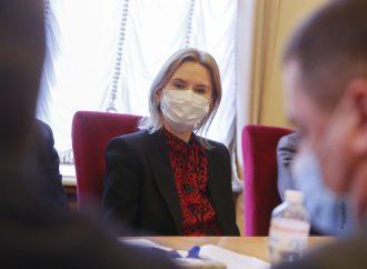 Олена Кондратюк: Парламент має поставити перед Кабміном завдання терміново затвердити нову стратегію боротьби з бідністю в Україні до 2030 року