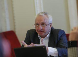 Це знущання над українцями, – Олексій Кучеренко про зарплати й премії членів НКРЕКП