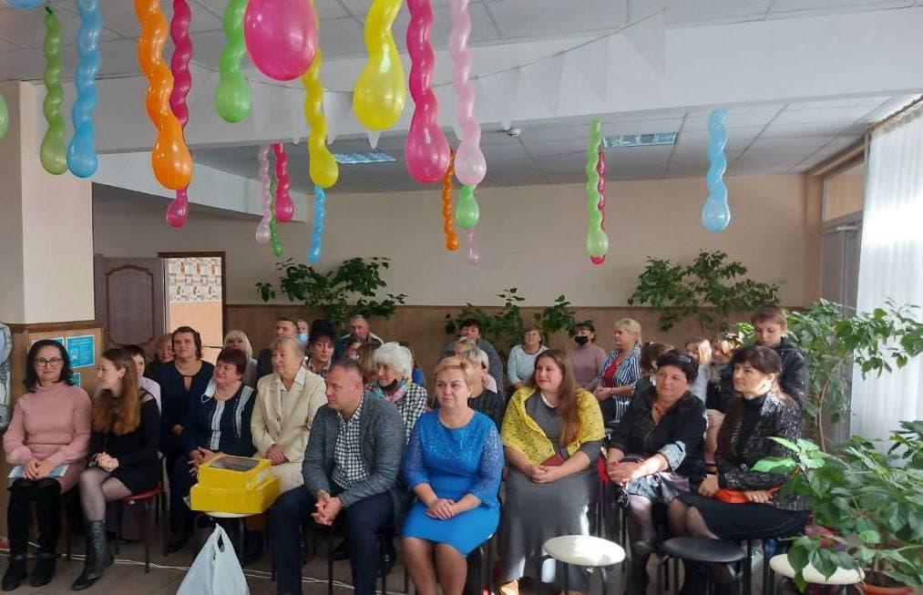 У Кропивницькому районі школа отримала в дарунок ноутбук